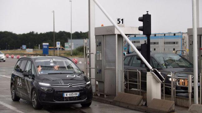 Vehículo autónomo pase un peaje por primera vez gracias a PSA y VINCI Autoroutes