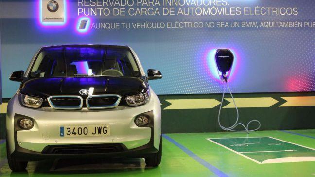 El Corte Inglés instala cargadores BMW i Wallbox en dos de sus centros